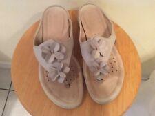 women's ECCO thong flats leather Sandals Sporty floral comfy Sz 40-U.S 9-9.5$100