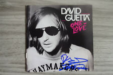 "David Guetta Autogramm signed CD Booklet ""One Love"""