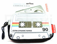 Kikkerland Retro Housse D'appareil Photo Cassette de musique Protection