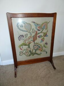 Antique Victorian 19th Century Oak Framed Needlework Embroidery Fire Screen