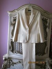 Personal by Leslie Fay  White 2 piece Pant suit SZ 16