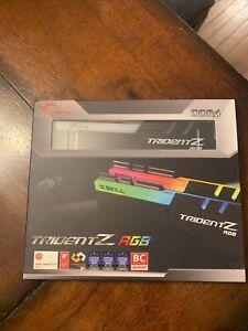 Trident Z RGB 32 GB (16x2) 3200 MHz
