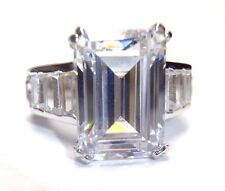 WoW! Stunning 9CT Emerald Cut CZ Sterling Silver Ring Size 7