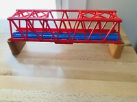 TOMY Trackmaster Thomas The Tank Engine Red Girder Bridge Blue Track