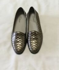 """TROTTERS """"Liz"""" Pewter Woven Leather Flat Loafers - Size 7.5M"""