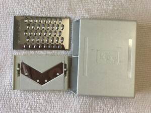 Pampered Chef Replacement Mandolin Grater~ Parts 2 Blades Slice & Grate And Case