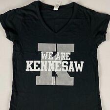 Kennesaw montaña Mustangs T-Shirt para Mujer S/M baloncesto Cheer estudiante Cuello en V