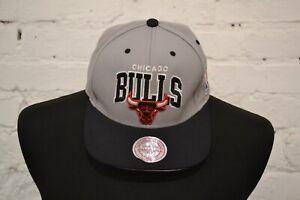 Mitchell & Ness Mens Gray Chicago Bulls Adjustable Snapback Cap One Size