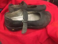 Keen Womens Mary Jane Shoes Leather Size 39 8.5 Flats Flat Shoes