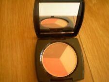 Blush 3 In 1 Con terra illuminante  Avon