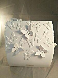 RAYMOND WAITES WHITE 3D BUTTERFLY RESIN NAPKIN HOLDER, TISSUE BOX COVER (4.4)