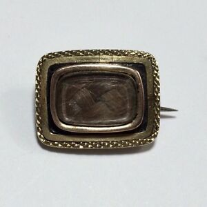 Victorian 9 ct Gold and Enamel Mourning Brooch