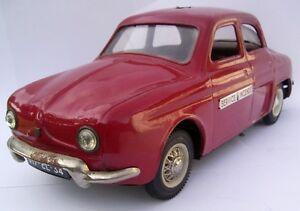 DAUPHINE JOUSTRA POMPIERS 1.18 e métal  fabrication années 60