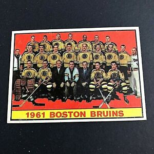 1961-62 Topps #20 Bruins Team Picture
