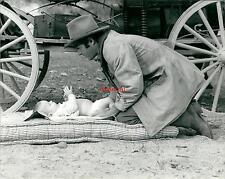 Photo argentique Bébé James Caan western Far West Baby chapeau cinéma film