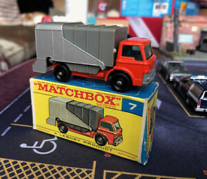 1969 Matchbox #7 Ford Refuse Garbage Truck w/ Box Regular Wheels die cast