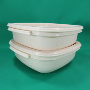 Lot of 2 Rubbermaid #2243 2 Cup Storage Containers & Lids Square Almond Color