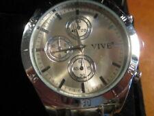 "15-01 / ArmbandUhr  Marke "" Vive""  Armband Edelstahl ?"