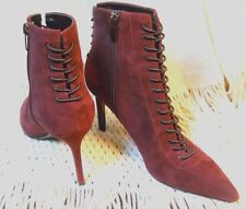 MAROON SUEDE ANKLE HIGH HEEL LACED UP ZIPPER BOOTIES BY KENDALL AND KYLIE 71/2M