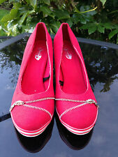 STUNNING RETRO INSPIRED RED CANVAS WHITE TRIM ZIP FRONT COURT SHOES SZ 41