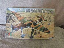 Italaerei Henschel HS 126 Model Kit - 1/72 Scale - #109   (B 5)
