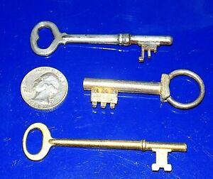 Lot of 3 Vintage/Antique Skeleton Keys