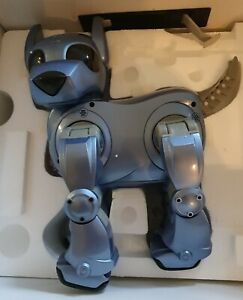 Tiger / Silverlit - Complete and Working I-Cybie Robot Dog in Metallic Blue