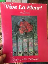 Vive La Fleur Stained Glass Pattern Book