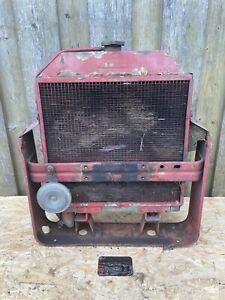 Original Mc Cormick IHC Traktor Kühler Wasserkühler 323 423 353 383 Schlepper