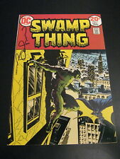 Wow! SWAMP THING #7 **SIGNED BY WRIGHTSON!** 9.2/9.4 GEM! SIGNATURE GUARANTEED!