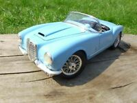 Burago 1:18 1955 Light Blue Lancia Aurelia B24 Spider Italian Diecast Car Toy