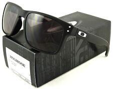NEW OAKLEY HOLBROOK SUNGLASSES OO9102-01 MATTE BLACK / WARM GREY LENS