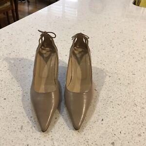 Women's Robert Robert Beige Shoes Size 361/2