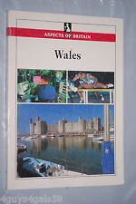Aspects of Britain Ser. Britain and Its People: Wales by Central Office of In...