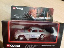 CORGI 04303  James Bond Aston Martin DB5 COLLECT 99 Limited Edition