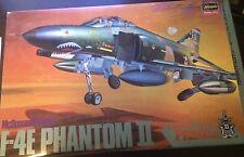 Hasegawa McDonnell Douglas F-4E Phantom II (PHANTOM FAMILY) SCALE 1:48 KIT#P03