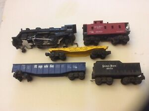 Lionel Mix Lot Of  5 Pcs Locomotive Cars Sold As Is