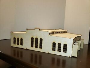 HO Scale Triple Stall Roundhouse - Model railroad train kit building