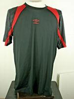 Umbro Mens Football Soccer Running Gym T Shirt Jersey Black Red Men's Medium L