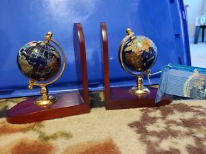 """7"""" Tall pair of wood base Gemstone Globe Bookend with tag"""