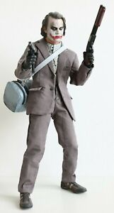 HOT TOYS - THE JOKER Bank Robber Version 2.0 MMS 249 Sideshow Exclusive 2014