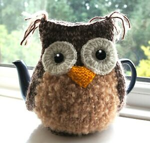 Brown/Beige Owl Tea Cosy to fit medium size Teapot. Handknit.  BRAND NEW
