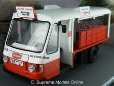 MODEL MILK FLOAT WALES & EDWARDS 1:43 SIZE UNIGATE COLOURS RED/WHITE TYPE Y06