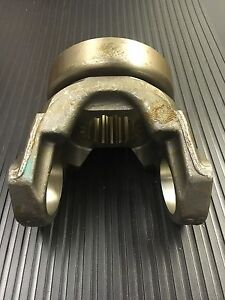 9192290 TEREX TS14 A/B  DIFFERENTIAL YOKE WITH SLINGER - NEW - GENUINE OEM