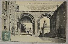 "CPA "" CLUNY - Portes d'entrée de l'Abbaye"