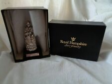 QUEEN VICTORIA - ROYAL HAMPSHIRE - PEWTER FIGURE (10CM) - ON PLINTH -