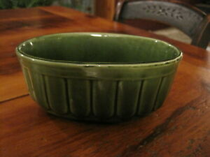 Vintage USA Brush McCoy Pottery Oval Ribbed Planter 804 Green nice for succulent