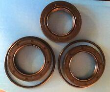 ROVER P5 rear axle seal kit, diff pinion seal (1), hub seals(2), hub O ring (2).