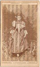 "Lotto di 8 CdV serie "" Costumes Suisse"" 1865-70 stampe all'albumina, Braun etc"