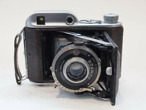 Butcher Ensign 220 Auto-Range Folding Rangefinder Camera. Stock no u11839